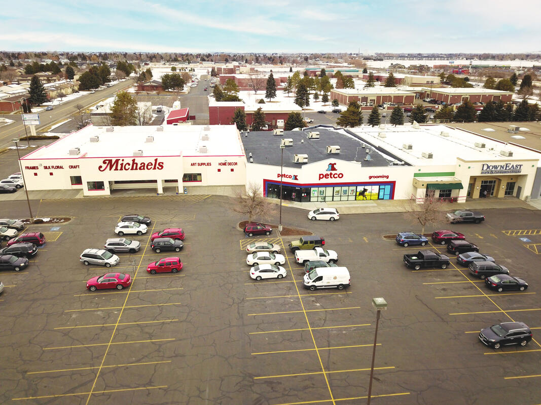 Aerial photo of Ashment Shopping Center in Idaho Falls leased by TOK Commercial