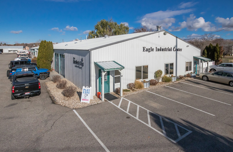 TOK Commercial represents the tenant and landlord in leasing industrial space.