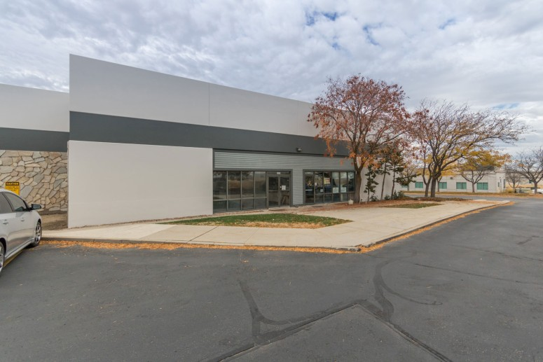 Gowen Business Center Welcomes New Tenant Athlos Apparel