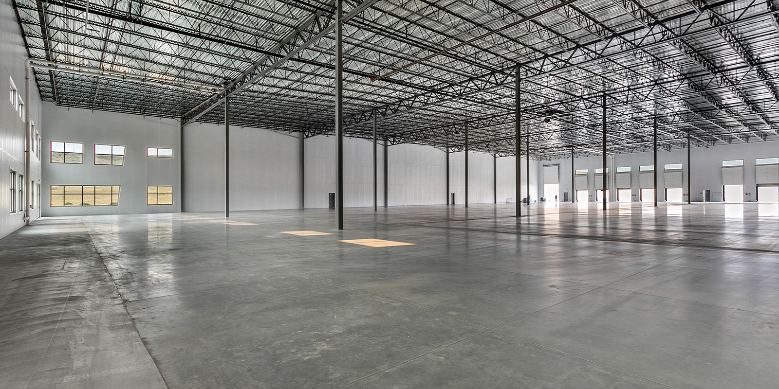 Interior warehouse space leased by TOK Commercial